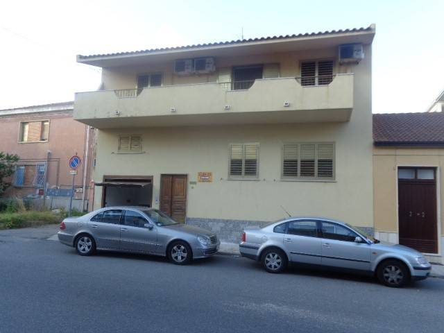 Villa in vendita a Locri, 6 locali, Trattative riservate | CambioCasa.it