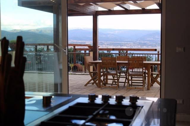 Villa in vendita a Messina, 5 locali, Trattative riservate | CambioCasa.it