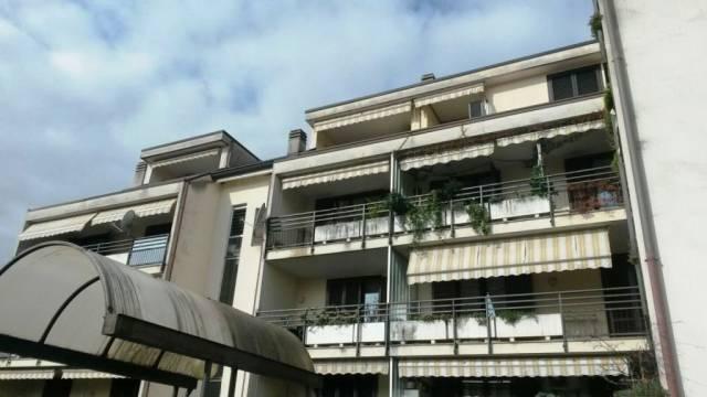 Appartamento in vendita a Cardano al Campo, 2 locali, prezzo € 97.000 | CambioCasa.it