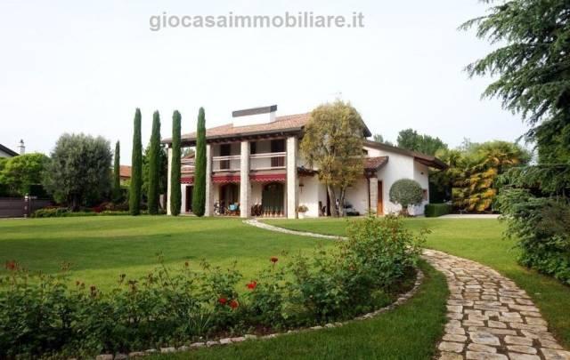 Villa in vendita a Lignano Sabbiadoro, 5 locali, Trattative riservate | CambioCasa.it