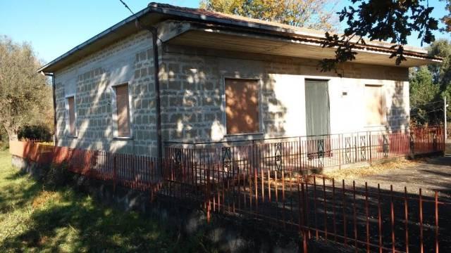 Villa in vendita a Caianello, 4 locali, prezzo € 97.000 | CambioCasa.it