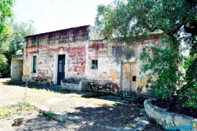 Rustico / Casale in vendita a Oria, 4 locali, prezzo € 35.000 | CambioCasa.it