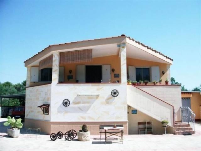 Villa in vendita a Oria, 6 locali, prezzo € 250.000 | CambioCasa.it