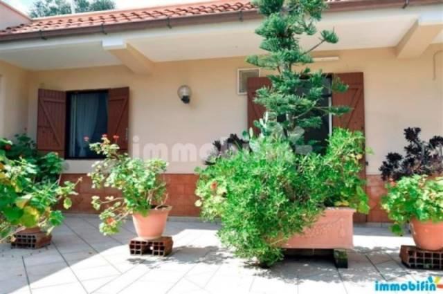 Villa in vendita a Oria, 6 locali, prezzo € 93.000   CambioCasa.it