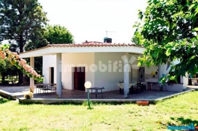 Villa in vendita a Oria, 4 locali, prezzo € 85.000 | CambioCasa.it