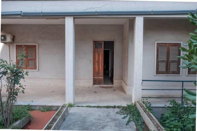 Villa in vendita a Siracusa, 6 locali, prezzo € 320.000   CambioCasa.it