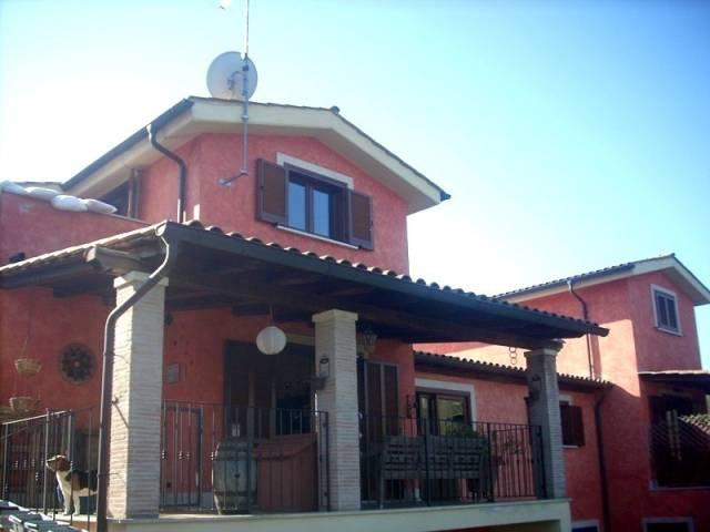 Villa in affitto a Morlupo, 5 locali, prezzo € 1.000 | CambioCasa.it