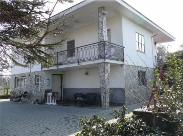 Villa in vendita a Albiano d'Ivrea, 6 locali, prezzo € 108.000 | CambioCasa.it