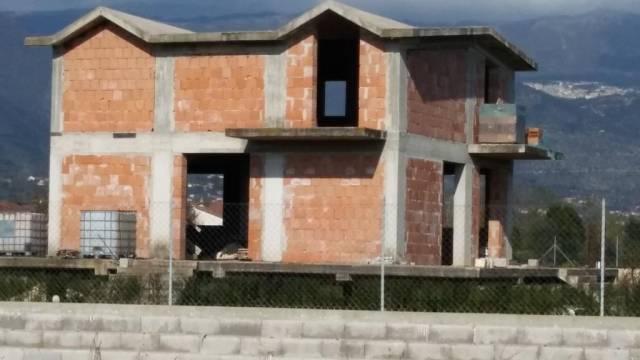 Villa in vendita a Alife, 6 locali, Trattative riservate | CambioCasa.it