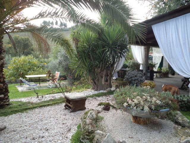 Villa in vendita a Gradara, 4 locali, prezzo € 340.000 | CambioCasa.it