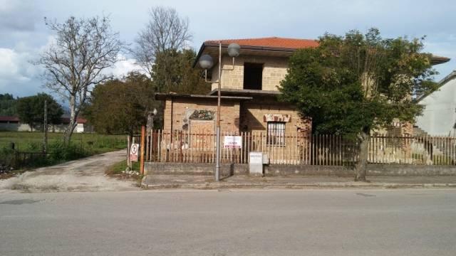 Soluzione Indipendente in vendita a Pietramelara, 5 locali, prezzo € 350.000 | CambioCasa.it
