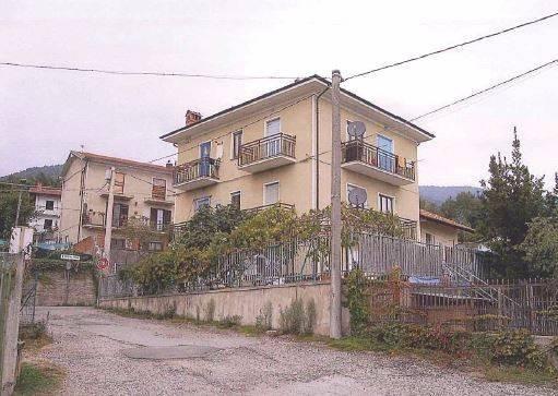 Villa in vendita a Giaveno, 5 locali, prezzo € 41.000 | CambioCasa.it