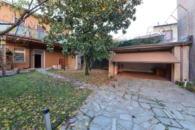 Villa in vendita a Monza, 5 locali, zona Zona: 4 . Regina Pacis, San Donato, prezzo € 390.000 | CambioCasa.it