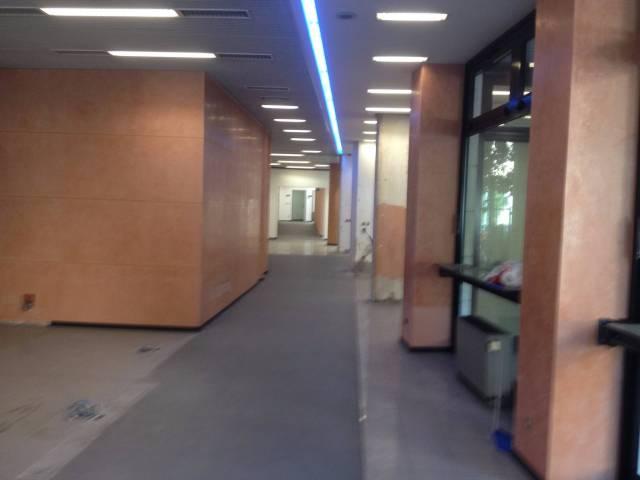 Ufficio / Studio in affitto a Bologna, 6 locali, zona Zona: 1 . Centro Storico, prezzo € 4.000 | CambioCasa.it