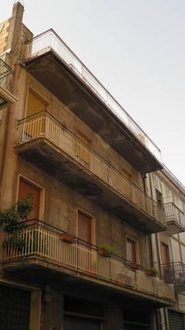 Appartamento in vendita a Paternò, 5 locali, prezzo € 139.000 | CambioCasa.it