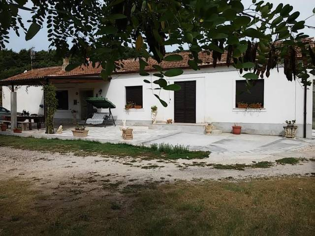 Soluzione Indipendente in vendita a Pratella, 5 locali, prezzo € 125.000 | CambioCasa.it