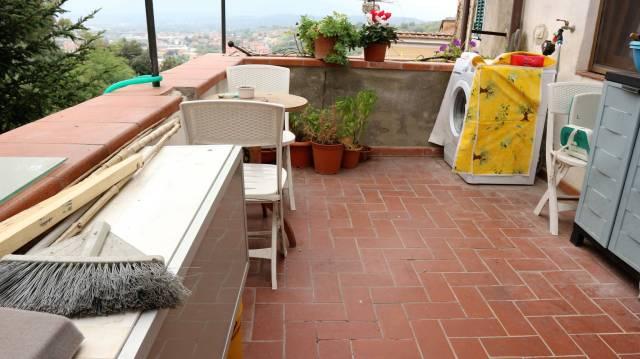 Soluzione Indipendente in vendita a Pescia, 4 locali, prezzo € 105.000 | CambioCasa.it