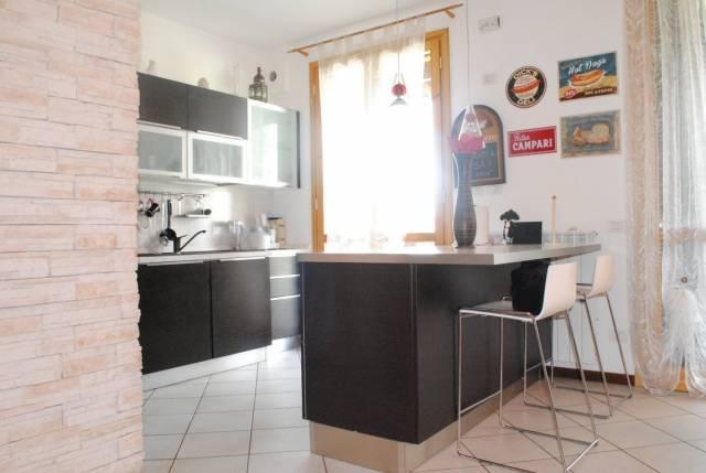 Appartamento in vendita a Rodano, 3 locali, prezzo € 229.000 | CambioCasa.it