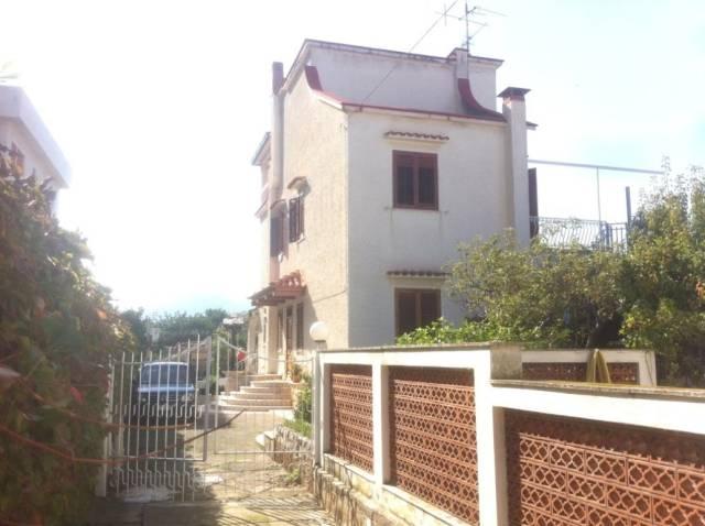 Villa in vendita a Capaci, 6 locali, prezzo € 390.000 | CambioCasa.it
