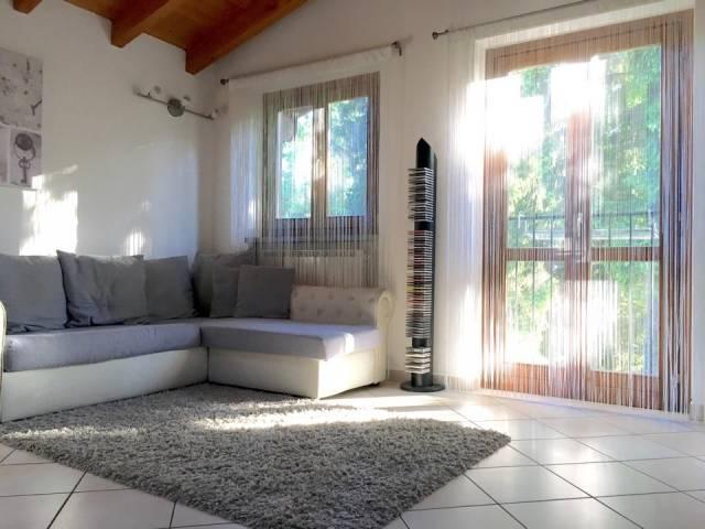Appartamento in vendita a Somma Lombardo, 2 locali, prezzo € 100.000 | CambioCasa.it
