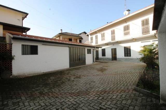Villa in vendita a Busto Arsizio, 4 locali, prezzo € 170.000 | CambioCasa.it