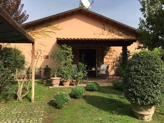 Rustico / Casale in vendita a Roma, 6 locali, zona Zona: 33 . Quarto Casale, Labaro, Valle Muricana, Prima Porta, prezzo € 489.000   CambioCasa.it