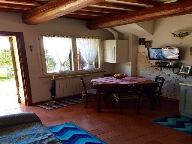 Rustico / Casale in vendita a Campi Bisenzio, 3 locali, prezzo € 170.000 | CambioCasa.it