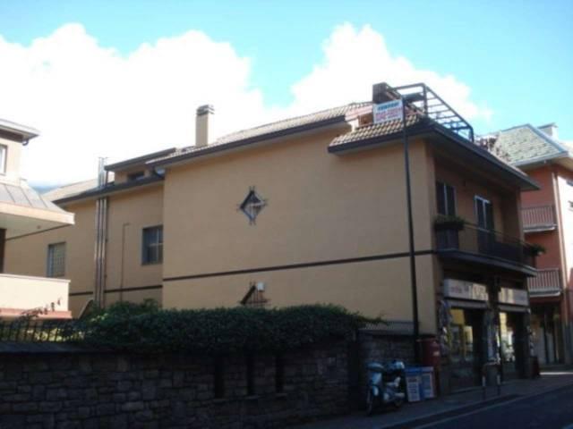 Villa in vendita a Morbegno, 4 locali, prezzo € 180.000 | CambioCasa.it