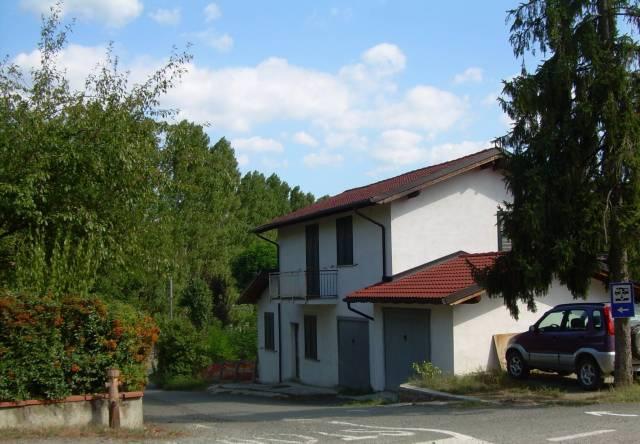Villa in vendita a Casaleggio Boiro, 4 locali, prezzo € 110.000   CambioCasa.it
