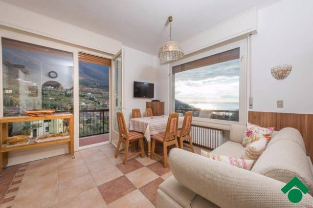 Appartamento in vendita a Malcesine, 2 locali, prezzo € 169.000 | CambioCasa.it