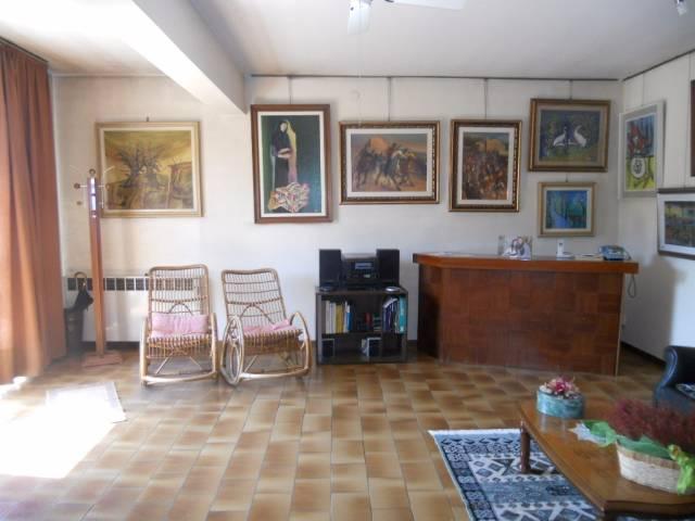 Villa in vendita a Guastalla, 4 locali, prezzo € 130.000 | CambioCasa.it