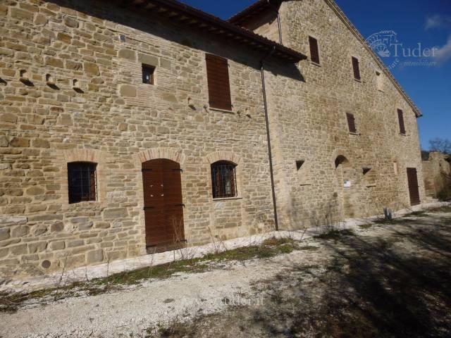 Rustico / Casale in vendita a Assisi, 6 locali, prezzo € 1.580.000 | CambioCasa.it
