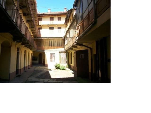 Palazzo / Stabile in vendita a Biella, 6 locali, prezzo € 280.000   CambioCasa.it