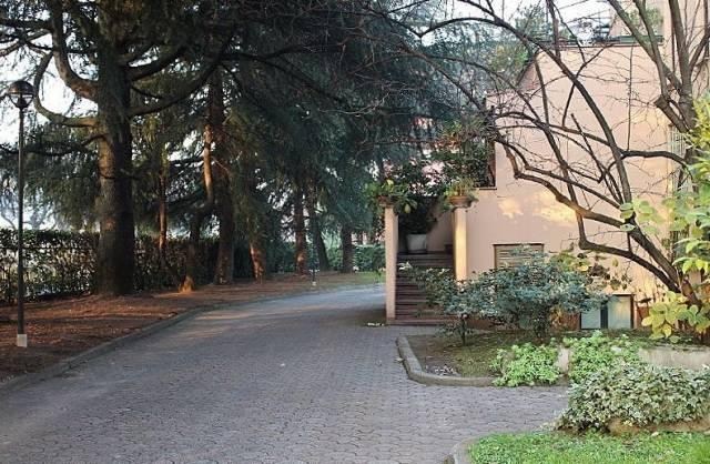 Magazzino in vendita a Segrate, 6 locali, prezzo € 280.000 | CambioCasa.it