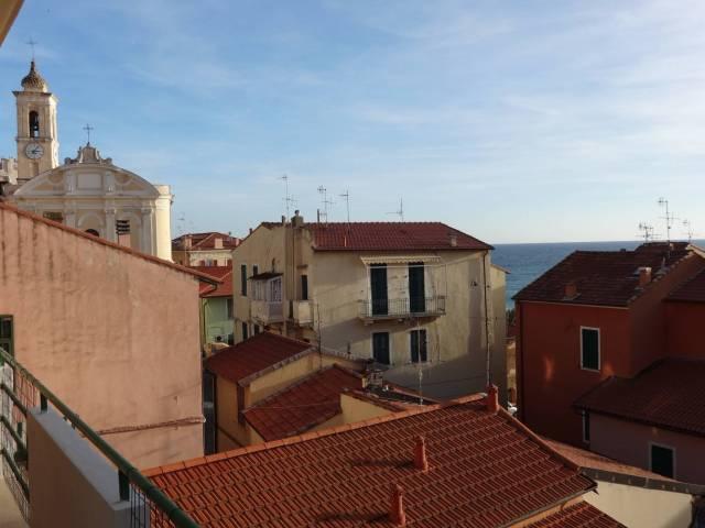 Appartamento in affitto a Ospedaletti, 3 locali, prezzo € 600 | CambioCasa.it