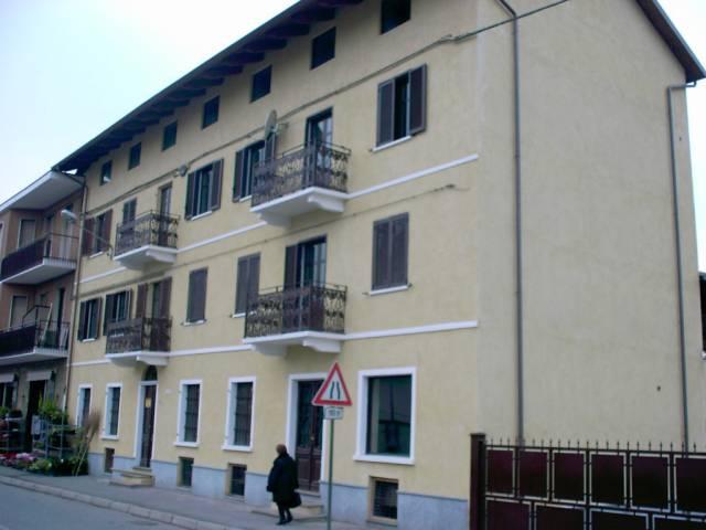 Appartamento in affitto a Brandizzo, 2 locali, prezzo € 300 | CambioCasa.it