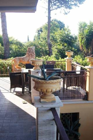 Villa in vendita a Santa Marinella, 6 locali, prezzo € 550.000 | CambioCasa.it