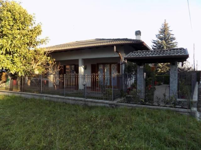 Villa in vendita a Solbiate, 4 locali, prezzo € 305.000 | CambioCasa.it