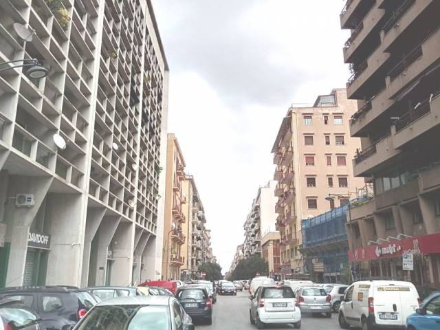 Ufficio / Studio in affitto a Palermo, 2 locali, prezzo € 490   CambioCasa.it