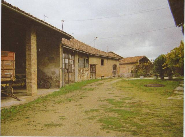 Rustico / Casale in vendita a Priocca, 6 locali, prezzo € 190.000 | CambioCasa.it