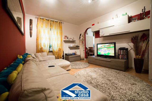 Appartamento in vendita a Cerro Maggiore, 3 locali, prezzo € 132.000 | CambioCasa.it