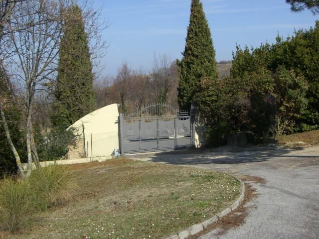 Appartamento in vendita a Gabicce Mare, 3 locali, Trattative riservate | CambioCasa.it