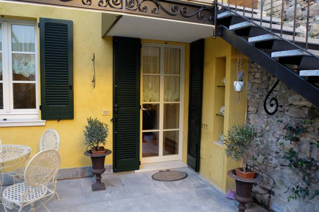 Appartamento in vendita a Desenzano del Garda, 2 locali, prezzo € 235.000   CambioCasa.it