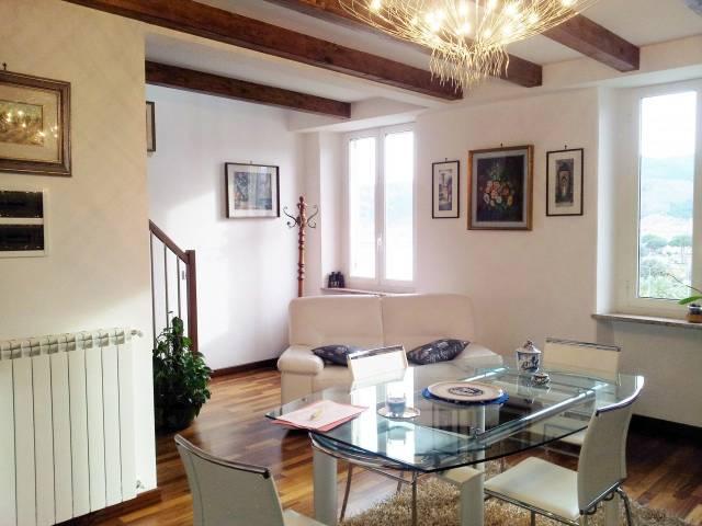 Appartamento in vendita a Vado Ligure, 4 locali, prezzo € 320.000   CambioCasa.it