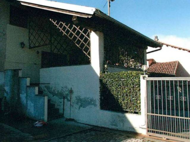 Villa in vendita a Agliè, 6 locali, prezzo € 65.000 | CambioCasa.it
