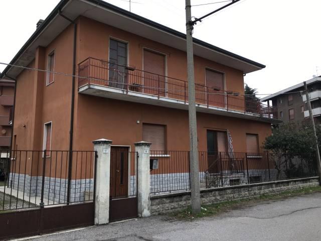 Villa in vendita a Parabiago, 6 locali, prezzo € 269.000 | CambioCasa.it
