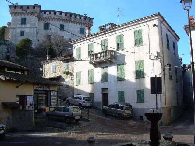 Villa in vendita a Mornese, 6 locali, prezzo € 90.000 | CambioCasa.it