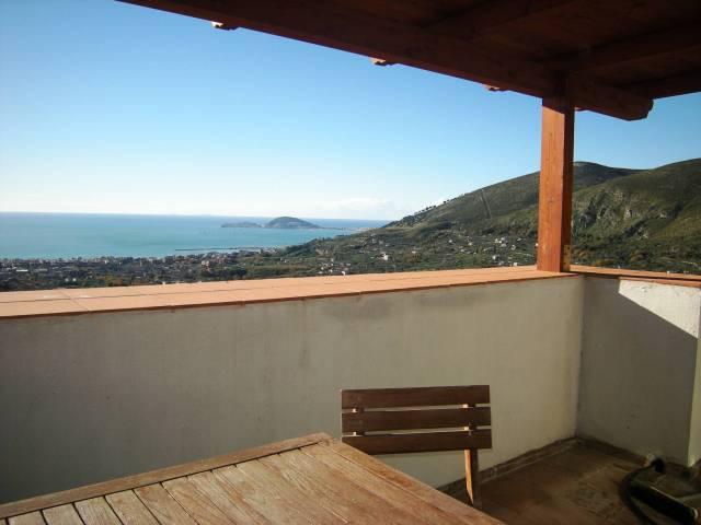 Soluzione Indipendente in vendita a Formia, 3 locali, prezzo € 110.000 | CambioCasa.it