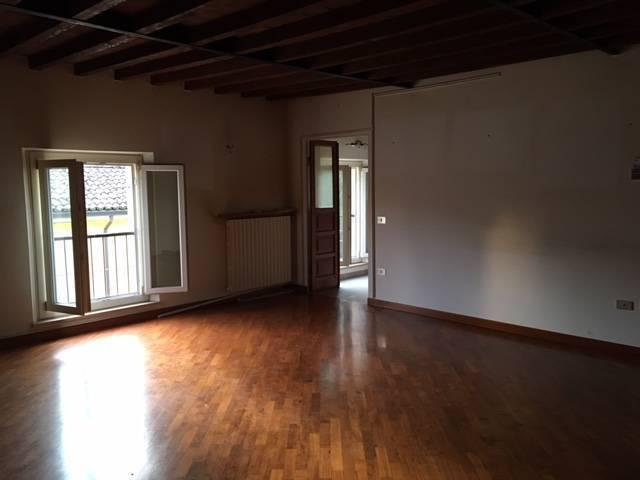 Appartamento in vendita a Collecchio, 2 locali, prezzo € 110.000 | CambioCasa.it