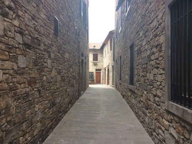 Appartamento in vendita a Tavarnelle Val di Pesa, 5 locali, prezzo € 260.000 | CambioCasa.it